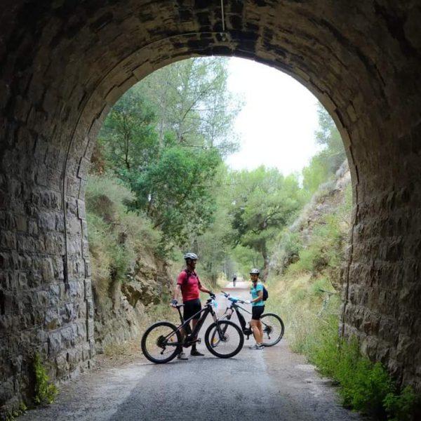 Vía verde Ojos Negros en bicicleta