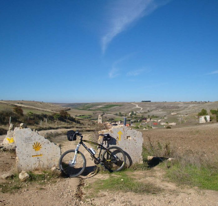 Camino de Santiago desde Roncesvalles en bicicleta organizado kolotrip