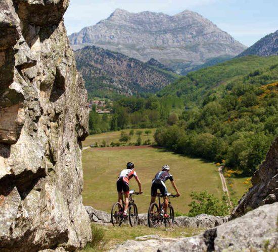 León en bicicleta de montaña