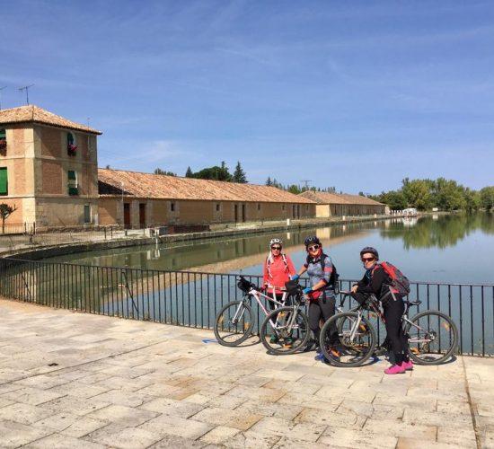 Viaje en bicicleta canal de castilla