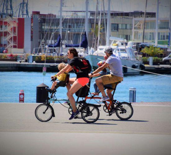 viaje en bicicleta en familia