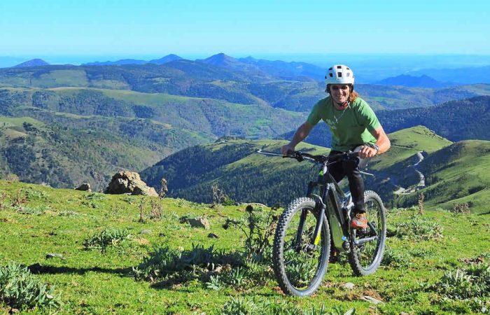 Cataluña en eMTB pirineos costa bicicleta eléctrica