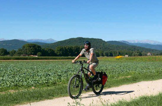 ruta medieval en bicicleta pirinexus via verde en bicicleta