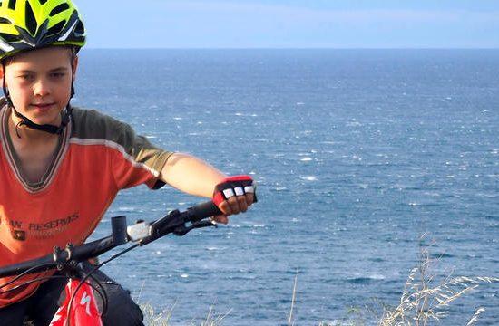 viaje en bicicleta eléctrica en familia cataluña