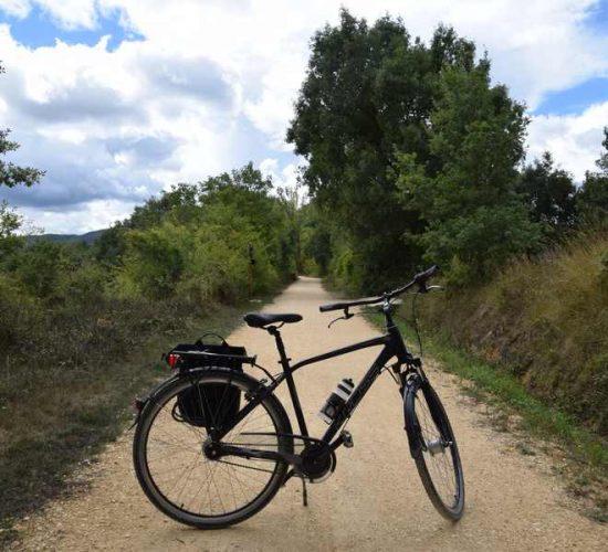 llegando a maestu en bicicleta viaje en bici